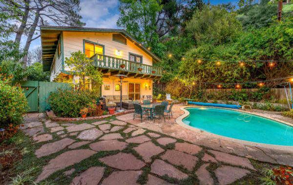1526 Roscomare Road | Bel Air